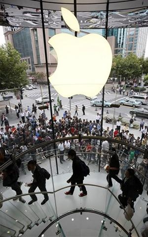 Apple обвинили в безразличии к экологии и здоровью сотрудников